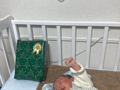 初クリスマスプレゼントにガッツポーズの「ふうちゃん(風雅)」
