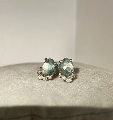 'Crude beauty Aqua' studs
