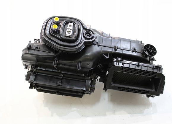 Комплект 2-х зонного Климатроника для VW Golf 7.