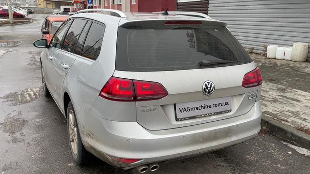 Камера заднего вида. VW Golf 7 Variant 2.0TDI DSG6 2015.