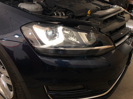 Adaptive bi-xenon and rear led lights. VW Golf 7 Sportwagen SEL 2.0TDI DSG6.
