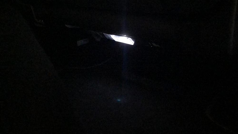 Подсветка ног задних пассажиров.