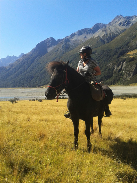 Trekking in the South Island High Country
