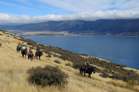 Trekking in the Mackenzie basin