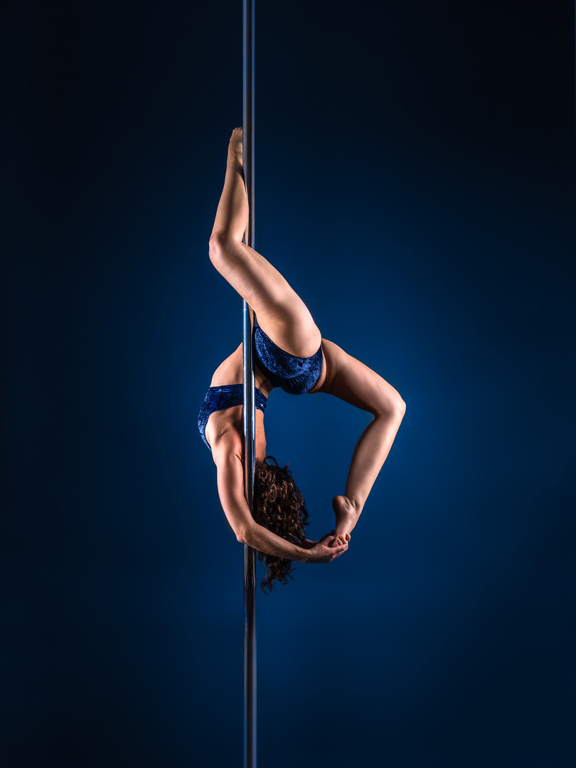 Pole Dance Serpentine