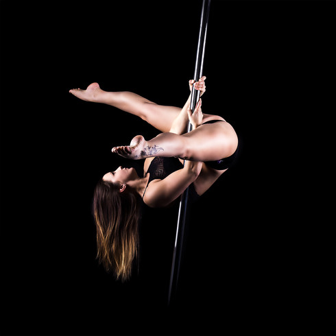 Pole Dance Inverted V