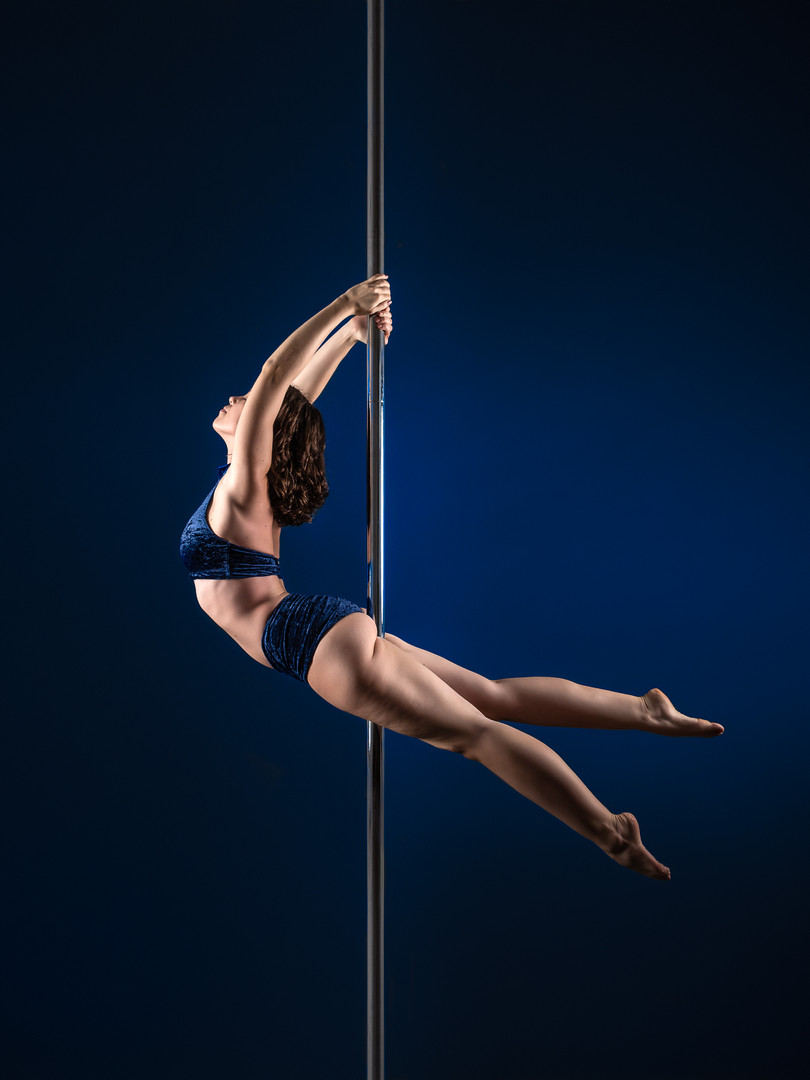 Pole Dance Dove