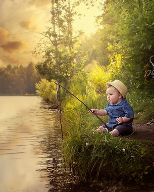 Boy_fishing_in_Anchorage_alaska_park_fin