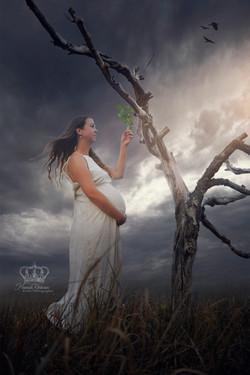 Creative_outdoor_fantasy_composite_of_ma