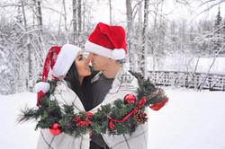 Romantic_snow_portrait_of_couple_outdoor