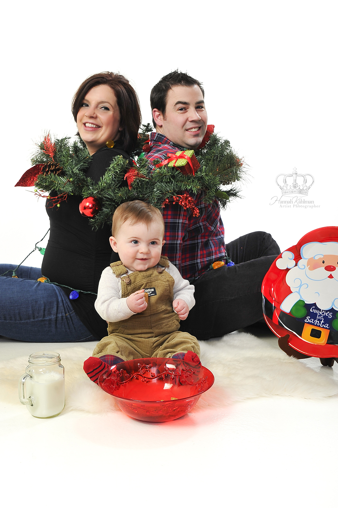 Fun_creative_Christmas_photo_in_studio_f