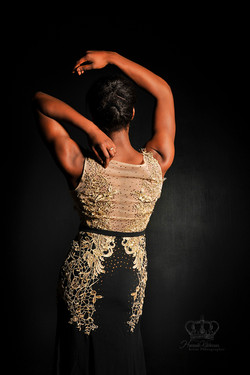 Photo_of_model_girl_from_back_in_prom_dr