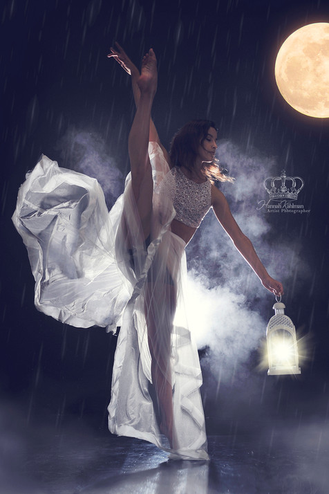 Fantasy_moon_photo_Creative_Ballet_dance