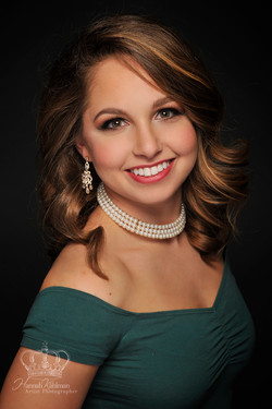 Classic_headshot_gym_instructor_Miss_Cook_Inlet_Pageant_Headshot_Photographer_Anchorage_Alaska_Hanna