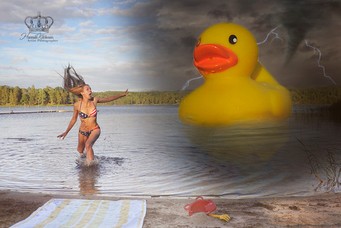 Woman_chased_by_huge_duck_in_lake_in_sto