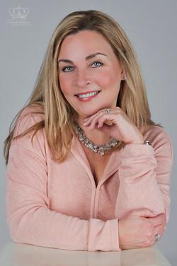 Business_headshot_for_branding_of_woman_