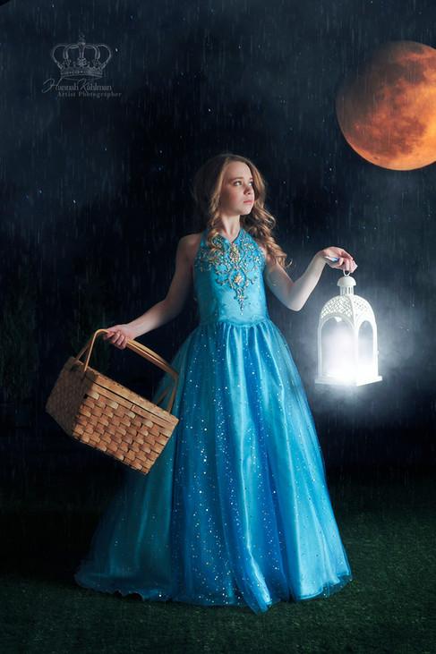 Fantasy_moon_photo_of_women_by_fantasy_p