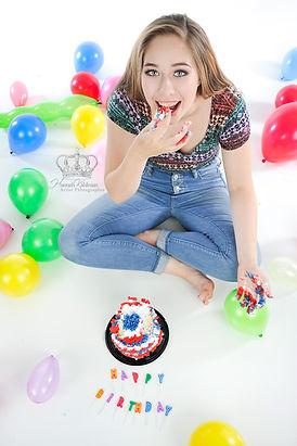 Fun_smash_the_cake_birthday_with_teenage