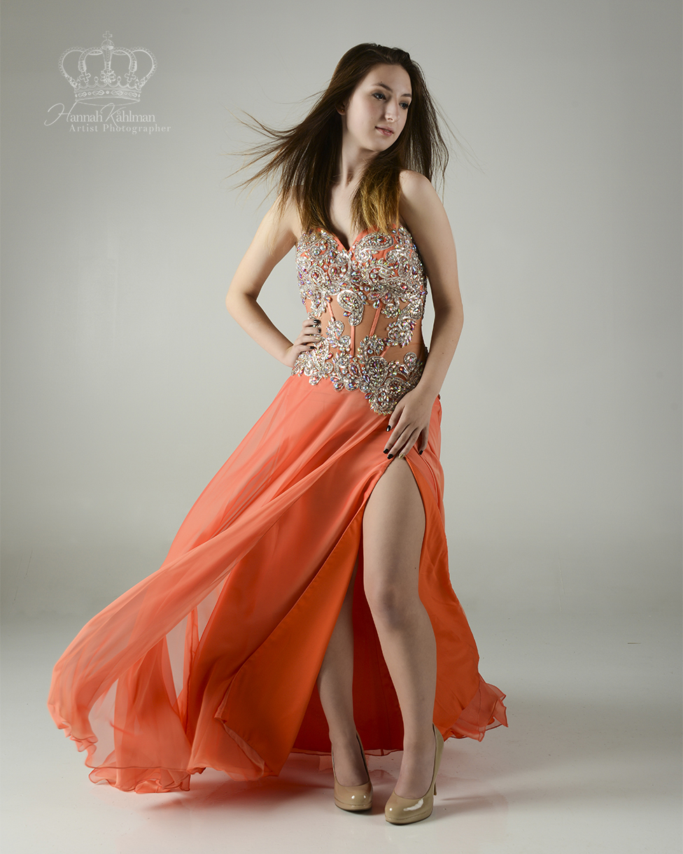 Classic_creative_prom_portrait_of_girl_f