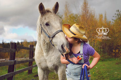 Girl_with_horse_outdoors_in_New_Jersey_f