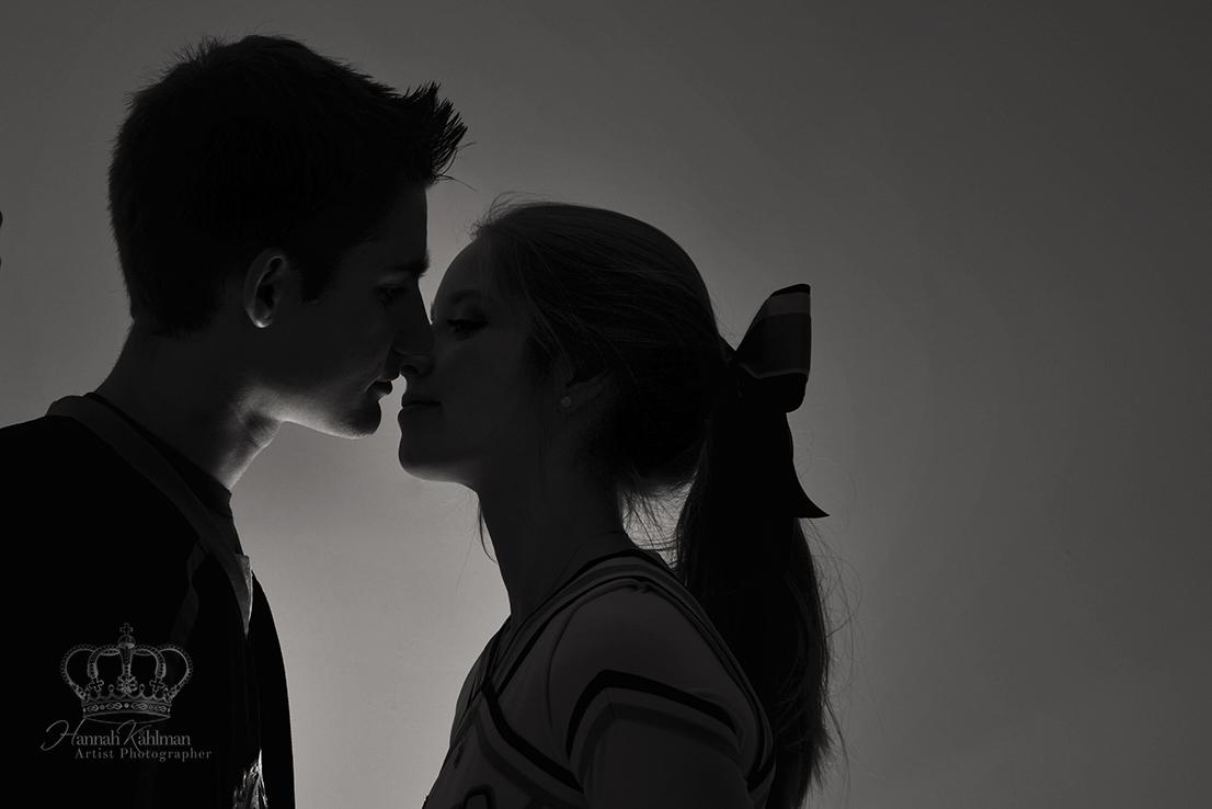Creative_Romantic_couples_photo_in_studi