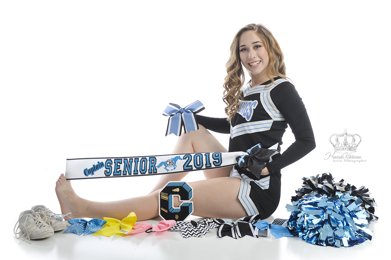 Cheerleader_from_Eagle_River_High_School