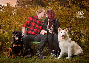 Family_portrait_outdoors_with_dogs_after