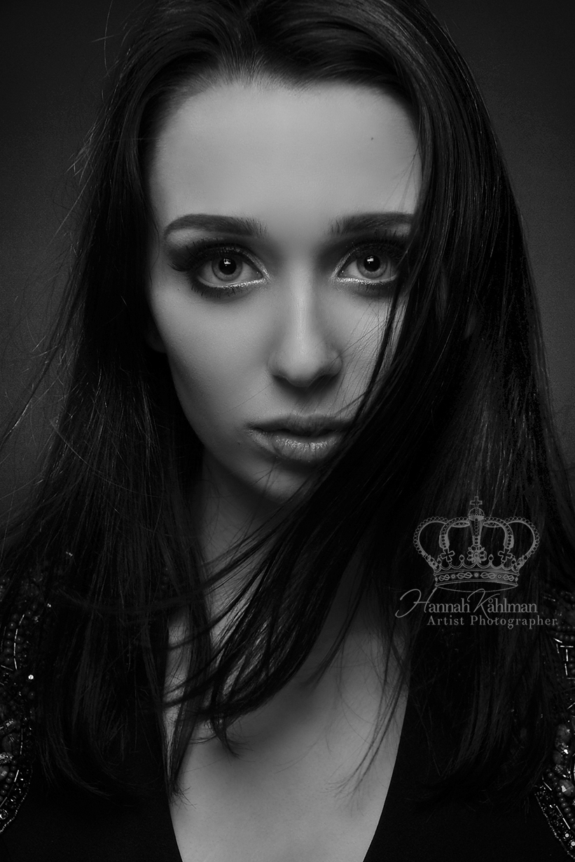 Gorgeous_fine_art_headshot_of_Miss_Chugi