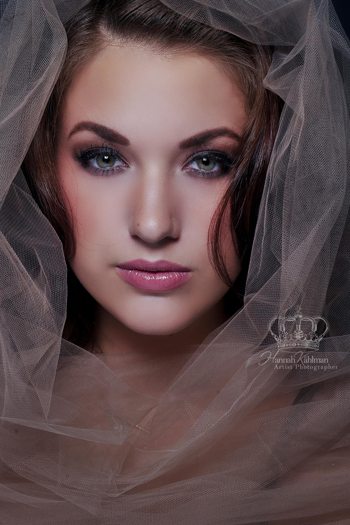 Fine_Art_model_headshot_Malie_Delgado_Mi