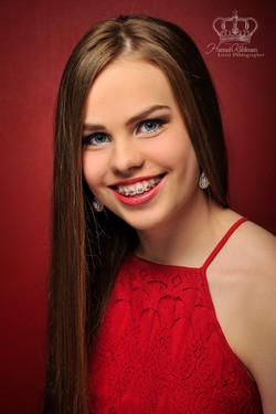 Headshot_on_red_Miss_Alaska_Teen_Headshot_for_pageant_Pageant_Headshot_Photographer_Anchorage_Alaska