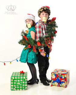 Creative_Christmas_photo_with_children_c