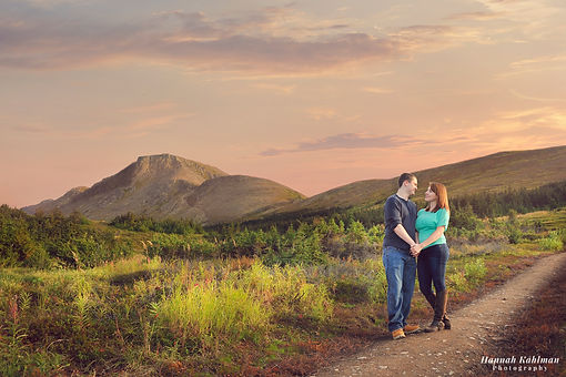 Creative_Romantic_couples_photo_outdoors