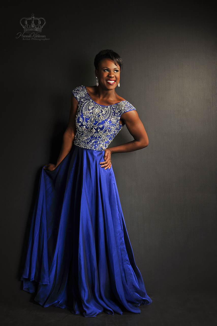 Anchorage_ak_hs_senior_girl_in_prom_dres