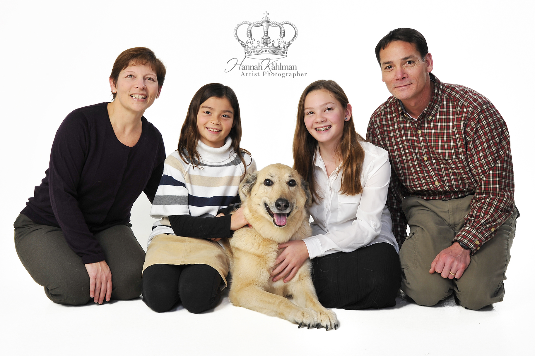 Family_with_dog_photo_in_studio_Anchorag