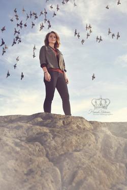 Outdoor_fine_art_portrait_with_birds_Bel