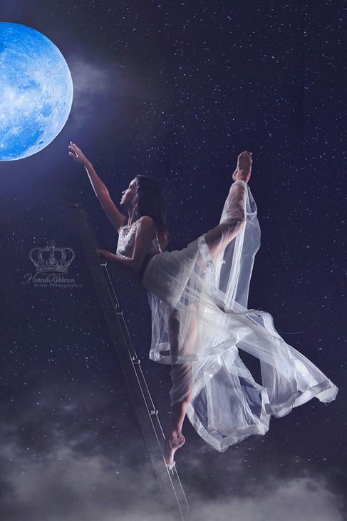 Fantasy_moon_photo_Creative_Ballet_dance