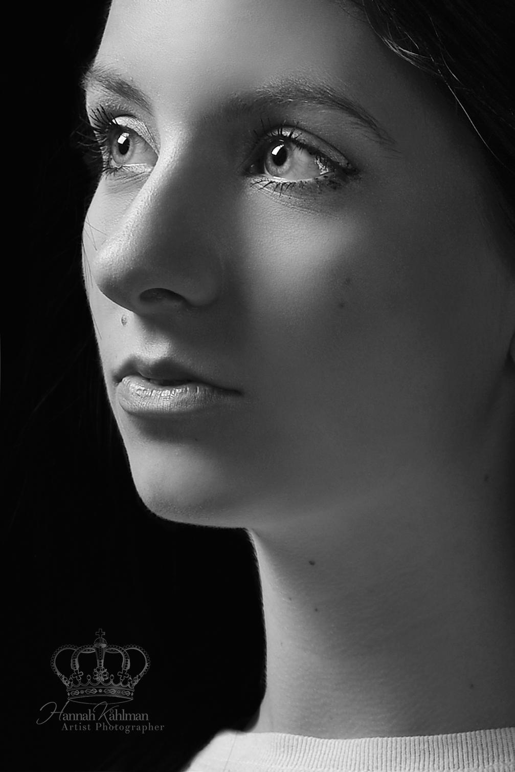 Fine_art_model_headshot_photographer_Anc