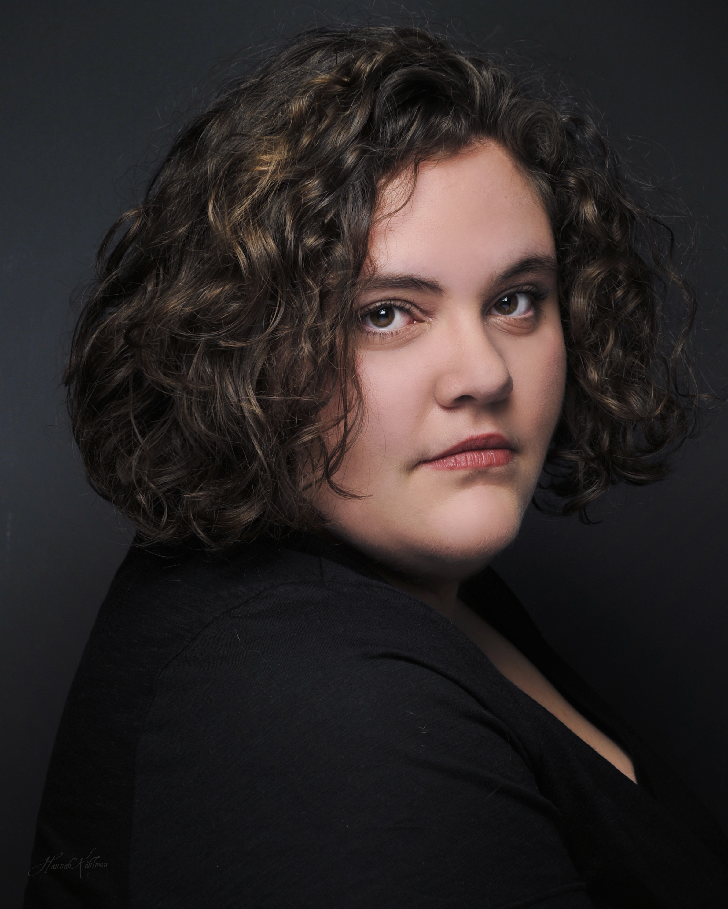 Headshot_of_model_actress_for_model_port