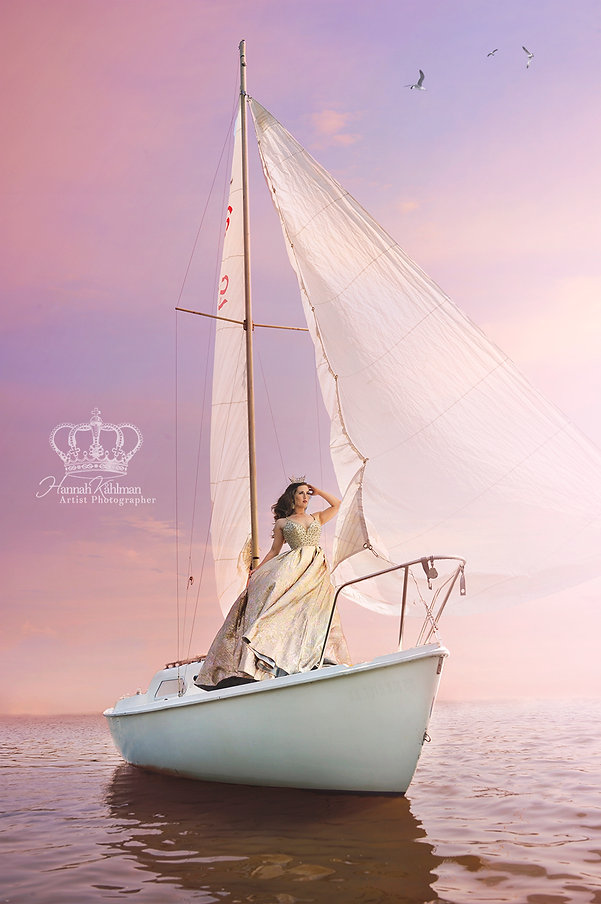 Outdoor_portrait_on_sailboat_in_Anchorag