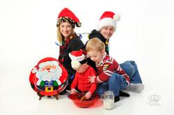 Fun_creative_Christmas_photo_in_studio_f