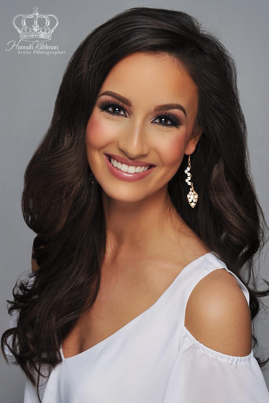 Miss_Alaska_Headshot_for_Miss_America_Pageant_Headshot_Photographer_Anchorage_Alaska_Hannah_Kåhlman_