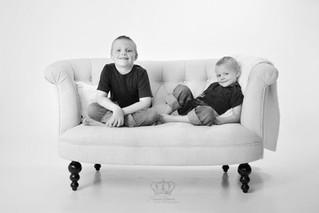 Fine_Art_black_and_white_portrait_two_bo