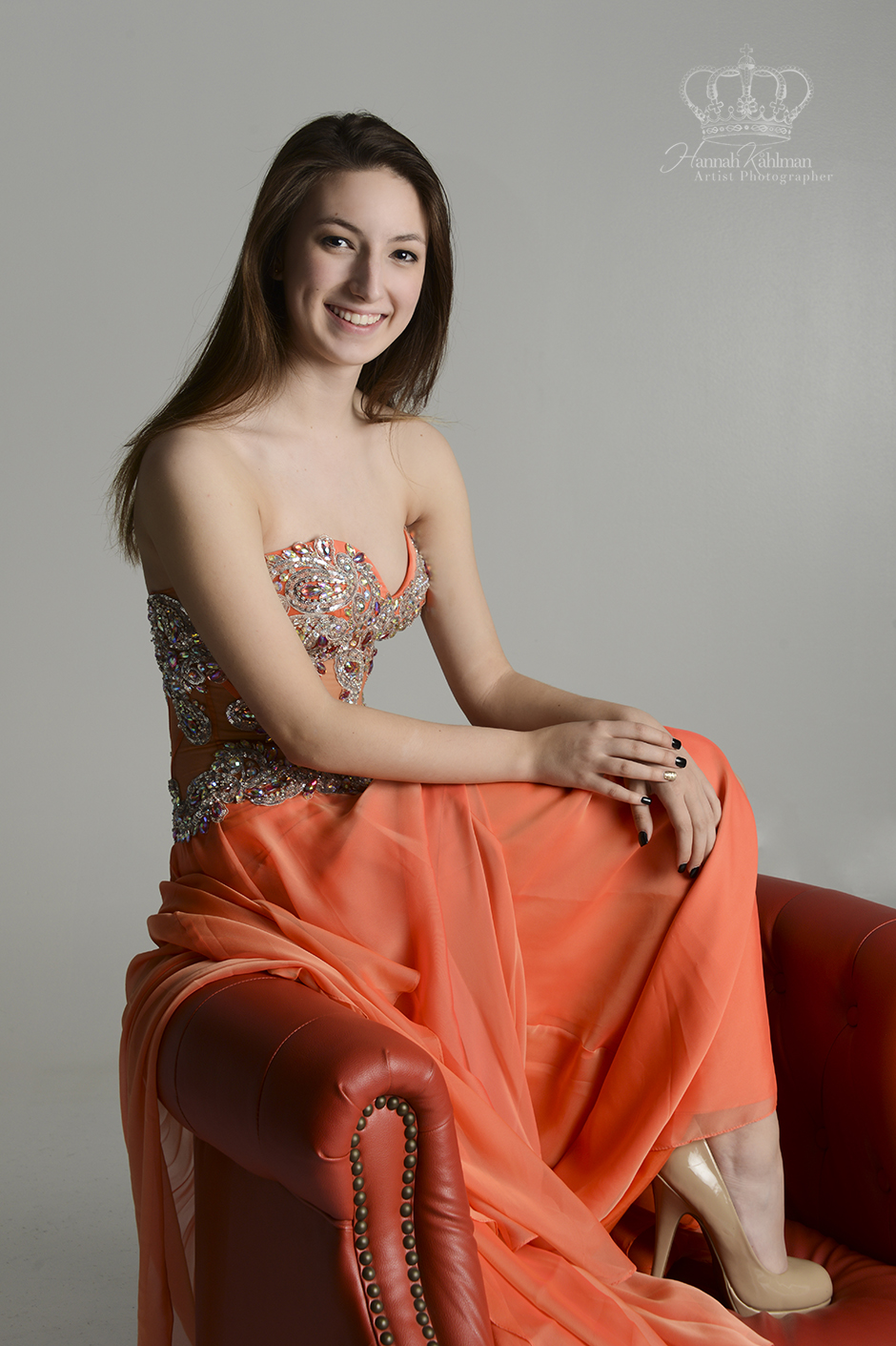 Beautiful_in_studio_prom_portrait_of_gir