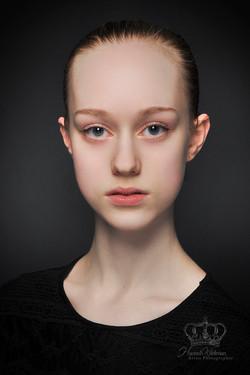 Elegant_dancer_headshot_photographer_Anc