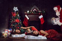 Fun_creative_Christmas_photo_with_Miss_A