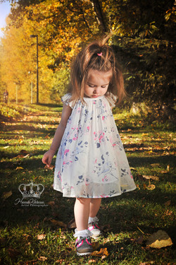 Cute_girl_photo_in_park_outdoors_Anchorage_Alaska_by_Eagle_River_Alaska_family_photographer_Hannah_K
