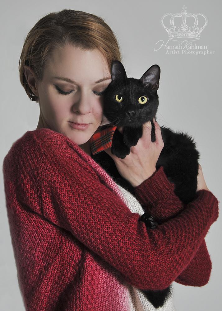 Mommy_and_kitten_cat_portrait_Anchorage_Alaska_Eagle_River_pet_photographer_Hannah_Kåhlman_Artist_Ph