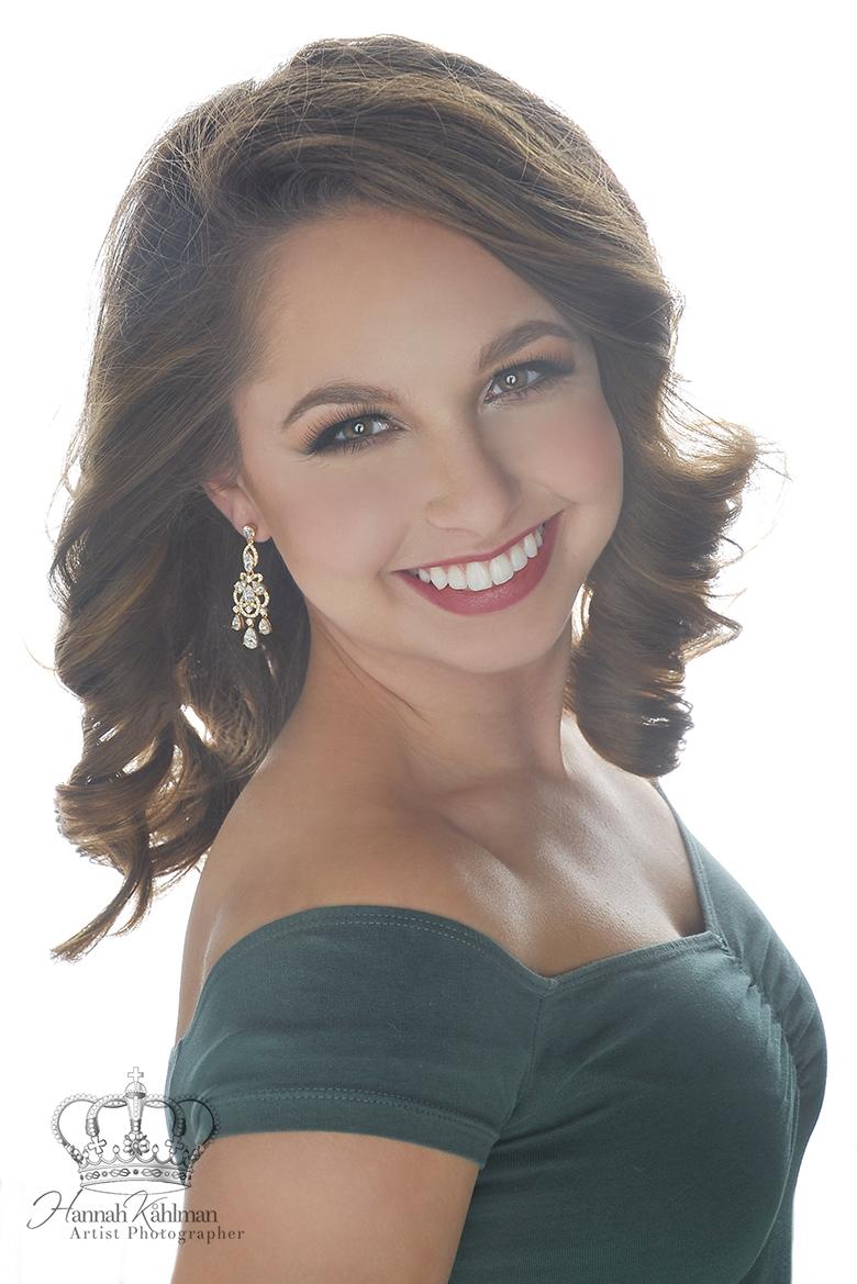 Miss_Cook_Inlet_Miss_America_Pageant_Headshot_Photographer_Anchorage_Alaska_Hannah_Kåhlman_Artist_Ph