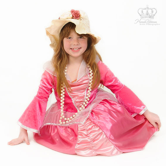 Girl_dressed_as_a_princess_for_birthday_