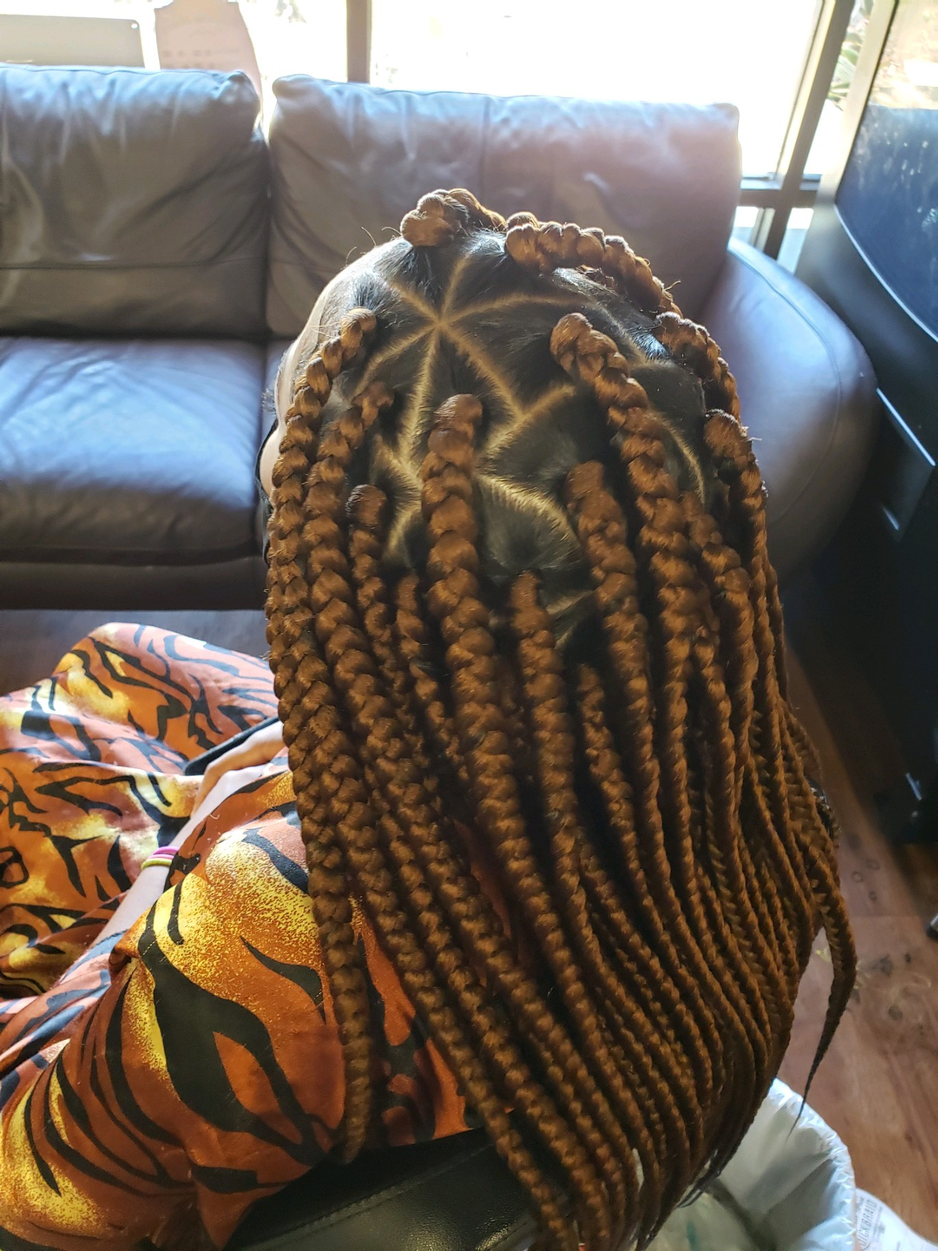 Large braids with design (4-5 hours)